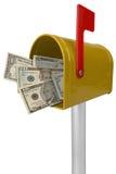 Cassetta postale con soldi americani Fotografia Stock