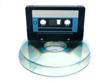 Cassette de bande et disque compact digital Photos stock