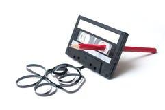 cassette sonore de cru avec la bande magnétique en dehors du rew image libre de droits