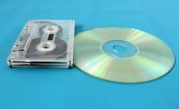 Cassette sonore et disque compact Durées de connexion image stock