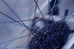 Cassette van het de delen de achterwiel van de close-upfiets met fiets spokes Stock Afbeeldingen