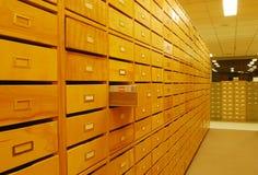 Cassetti in libreria Fotografia Stock Libera da Diritti
