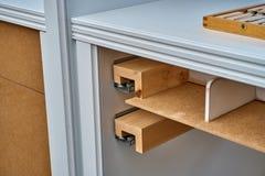 Cassetto per le cinghie Dettaglia la produzione del legno Immagine Stock