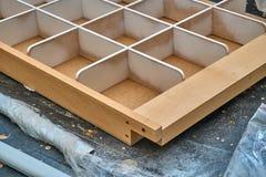 Cassetto per le cinghie Dettaglia la produzione del legno Immagine Stock Libera da Diritti