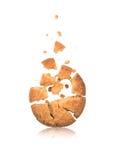 Cassez les biscuits avec des morceaux de chocolat Image libre de droits