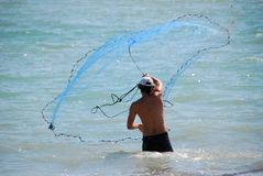 Cast net throw