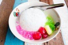 Castañas de agua curruscantes en leche de coco Fotografía de archivo libre de regalías