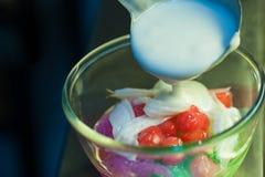 Castagne d'acqua in latte di cocco Immagini Stock Libere da Diritti