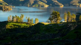 Castaic sjö Kalifornien royaltyfri fotografi