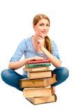 Castana con la pila di libri per imparare oggetto Immagini Stock Libere da Diritti