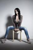 Castana sexy con le tette enormi Fotografia Stock Libera da Diritti