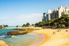 Castanheiras海滩, Guarapari, EspÃrito Santo状态,巴西 免版税库存照片