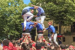 Castel budowa przy kwiatu festiwalem w Girona, Hiszpania fotografia royalty free