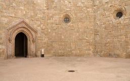 Castel del Monte - προαύλιο, Apulia, Ιταλία Στοκ φωτογραφία με δικαίωμα ελεύθερης χρήσης
