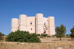 Castel del Monte (castelo da montagem) imagens de stock royalty free