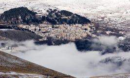 Castel del Monte i vinter Arkivfoto