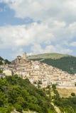 Castel del Monte som är panorama- beskådar Arkivfoton