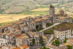 Castel del Monte som är panorama- beskådar Arkivbilder