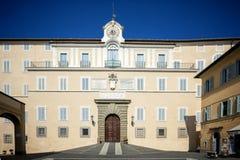 Castel Gandolfo - апостольский дворец Castel Gandolfo, резиденция лета Пап Лацио, Италия стоковое фото rf