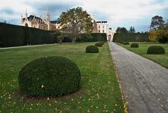Castel Lednice I parkera, arbeta i trädgården, det redaktörs- fotoet, Royaltyfri Foto