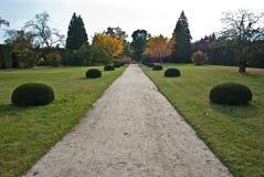Castel Lednice III parkera, arbeta i trädgården, Arkivbild