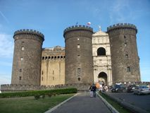 Castel Maschio Angioino, een middeleeuwse historicus en Renaissancekasteel, symbool van de stad van Napels Italië royalty-vrije stock fotografie