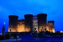 Castel Nuovo en la oscuridad Fotos de archivo libres de regalías