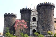 Castel Nuovo médiéval à Naples, Italie Images libres de droits