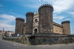 Castel Nuovo o Maschio Angioino, punto di riferimento di Napoli, Italia fotografia stock libera da diritti