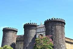 Castel Nuovo, ook genoemd Maschio Angioino in Napels, Italië stock afbeelding