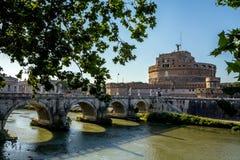 Castel och bro Sant'Angelo, Rome, Italien Royaltyfri Fotografi