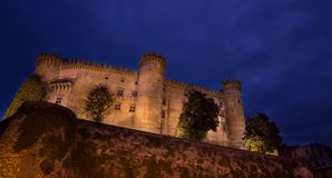 Castel przy nocą zdjęcia stock