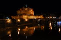 Castel San ' Angelo bis zum Nacht Stockfotografie