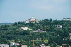 Castel San Pietro es un castillo en Verona, Italia septentrional imágenes de archivo libres de regalías