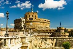 圣徒天使城堡和桥梁在台伯河河在罗马,意大利 Castel Sant `安吉洛 库存图片
