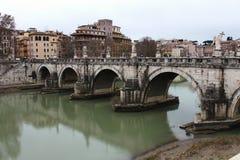 Castel Sant'Angelo桥梁在罗马,意大利 免版税库存图片