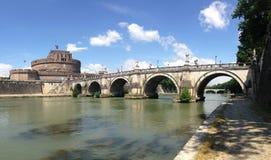 Castel Sant Angelo και η γέφυρα του ST Angelo Στοκ Φωτογραφία