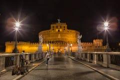 Castel Sant ` Angelo bij nacht stock foto's