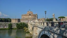 Castel Sant Angelo con el r?o de T?ber fotografía de archivo libre de regalías