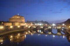 Castel Sant'Angelo en de brug Sant'Angelo royalty-vrije stock afbeelding