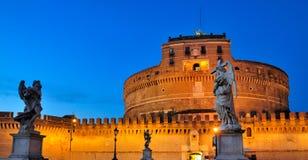 Castel Sant'Angelo en soirée Photographie stock libre de droits