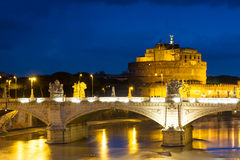 Castel Sant'Angelo przy półmrokiem zdjęcia royalty free