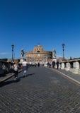 Castel Sant ' Angelo (Schloss des heiliger Engels) vom Ponte San Lizenzfreie Stockfotos