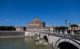 Castel Sant ' Angelo (slott av heliga ängeln) under dagen Royaltyfri Fotografi