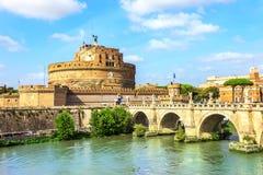 Castel Sant 'Angelo und Ponte Sant 'Angelo, Rom, Italien stockbild