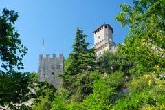 Castel in un centro del San Marino immagini stock libere da diritti