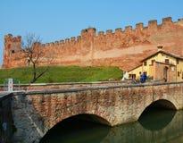 Castelfranco Veneto en middeleeuwse vestingwerkpoort Royalty-vrije Stock Fotografie