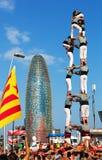 Castellers που εκτελεί Castells στη εθνική μέρα της Καταλωνίας Στοκ φωτογραφίες με δικαίωμα ελεύθερης χρήσης