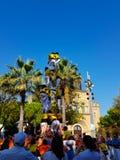 Castellers, torre umana in Castelldefels, Spagna immagini stock libere da diritti