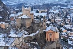 Castelli della valle di Aoste in Italia nell'inverno fotografia stock